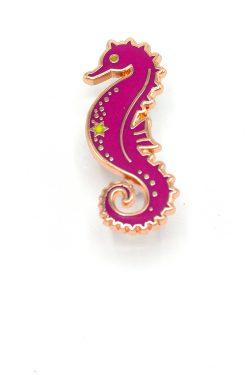 seahorse-enamel-pin