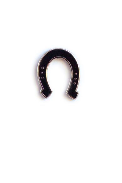 black horse shoe enamel pin