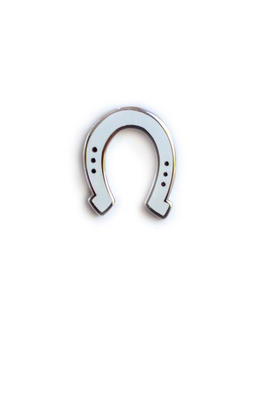white horse shoe enamel pin