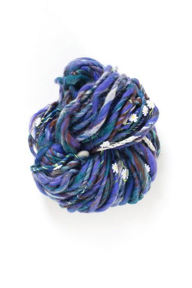 daisy chain yarn in bluejay